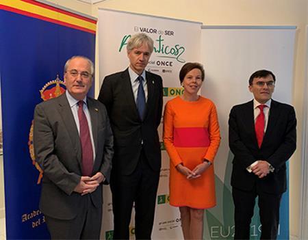 Altos representantes de la diplomacia europea y de América Latina.jpg