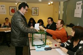 Diego Sayago Votando Elecciones Sindicales