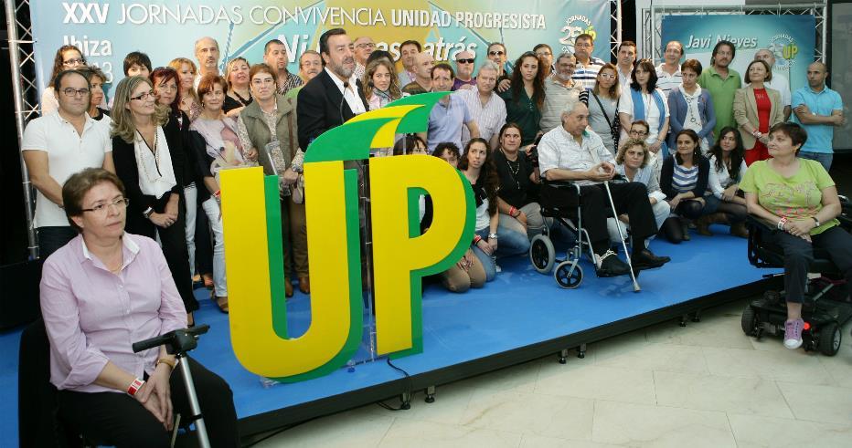 Homenaje a los voluntarios en la asamblea informativa de las 25 Jornadas de Convivencia de UP Ibiza 2013