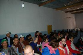 foto con los/as distintos/as representantes de asociaciones juveniles solidarias con el pueblo Saharaui