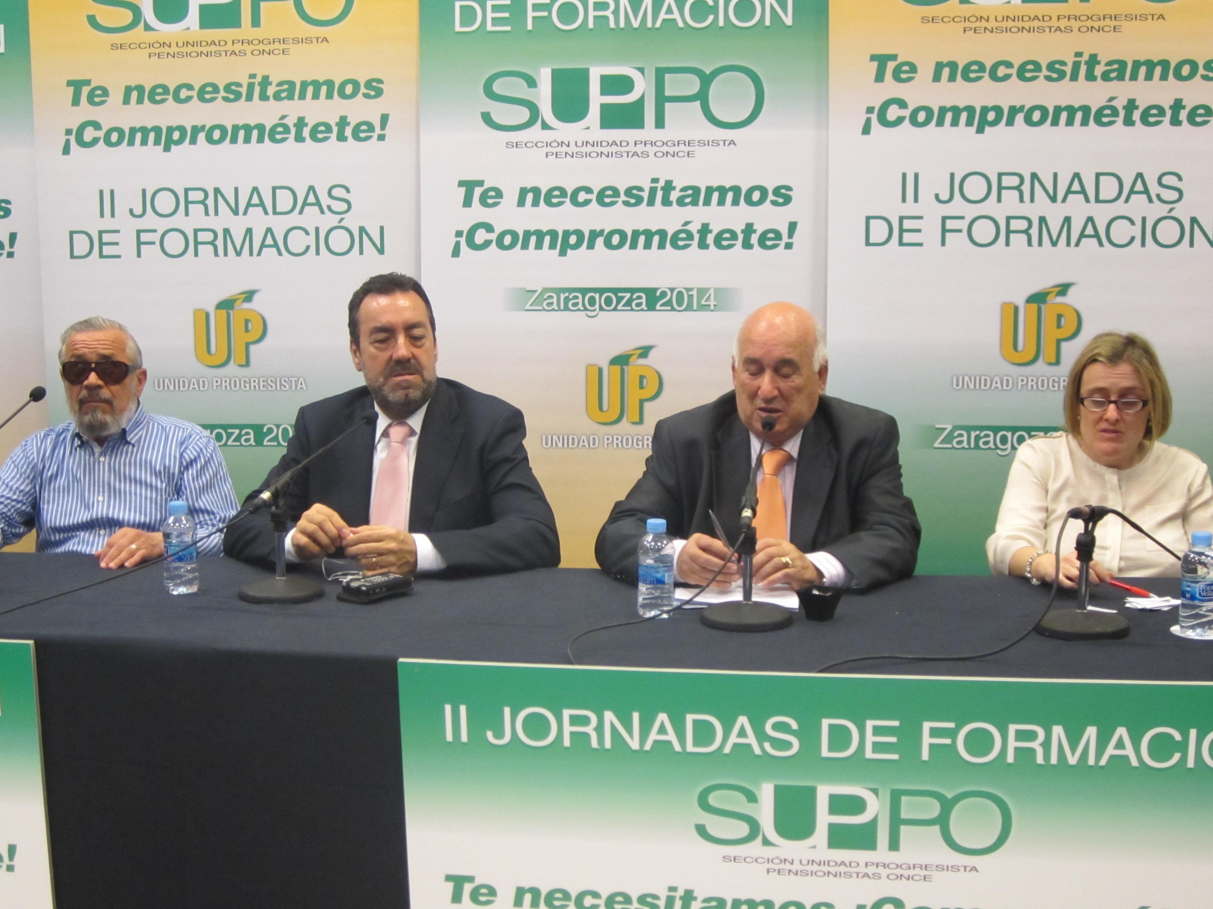 Mesa Felix Villar junto con Miguel Carballeda e Imelda Fernandez