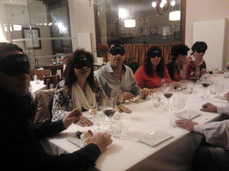 Cena a ciegas en Salamanca de los simpatizantes de UP Salamanca-Ávila-Zamora